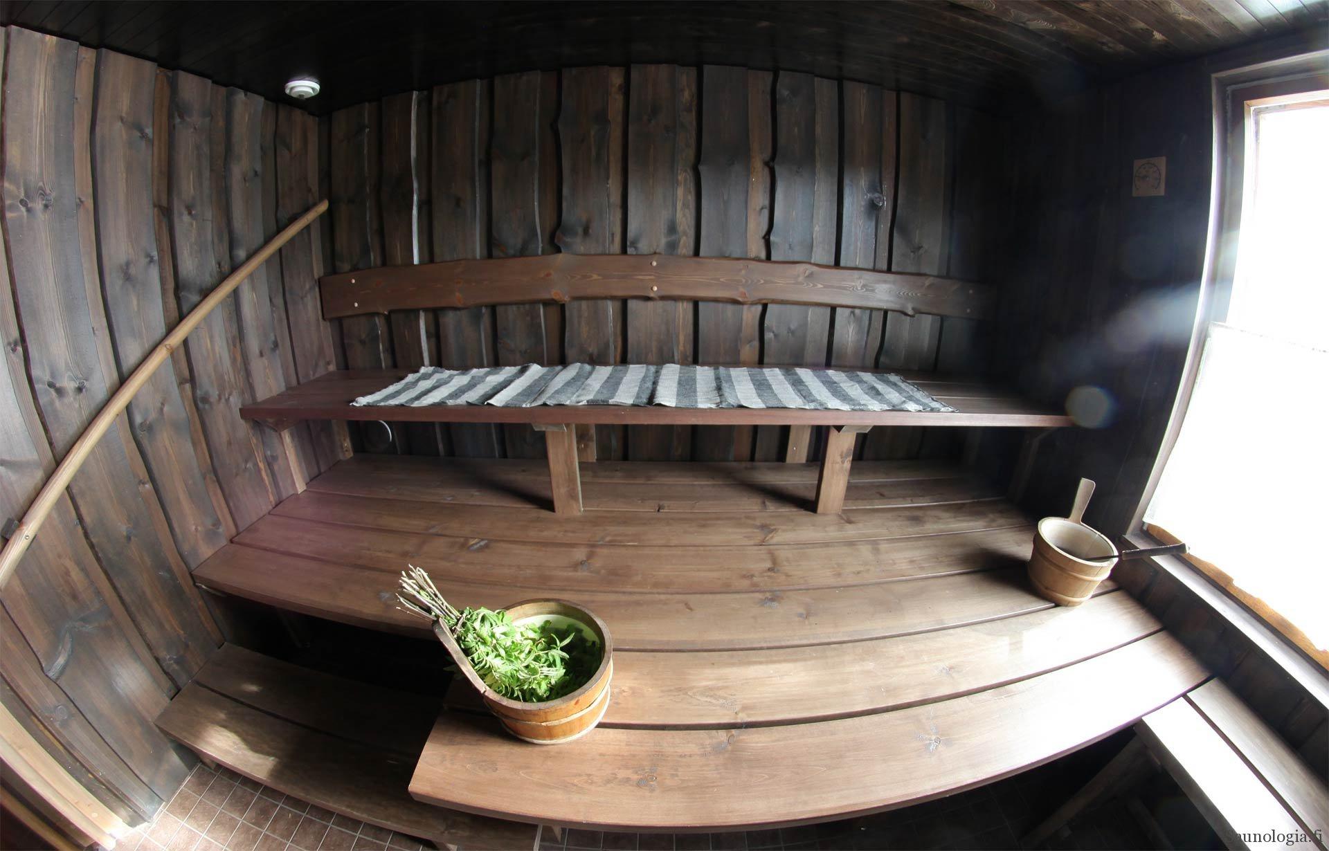 Saunologia palvelee kansainvälisiä saunan parantajia