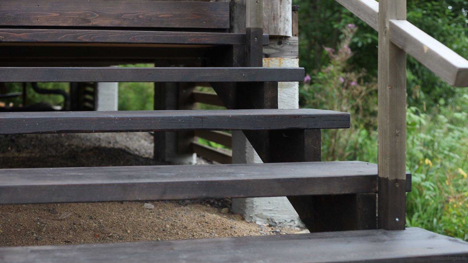 170822-Raput+Kaiteet-rappuset-valmis-edesta