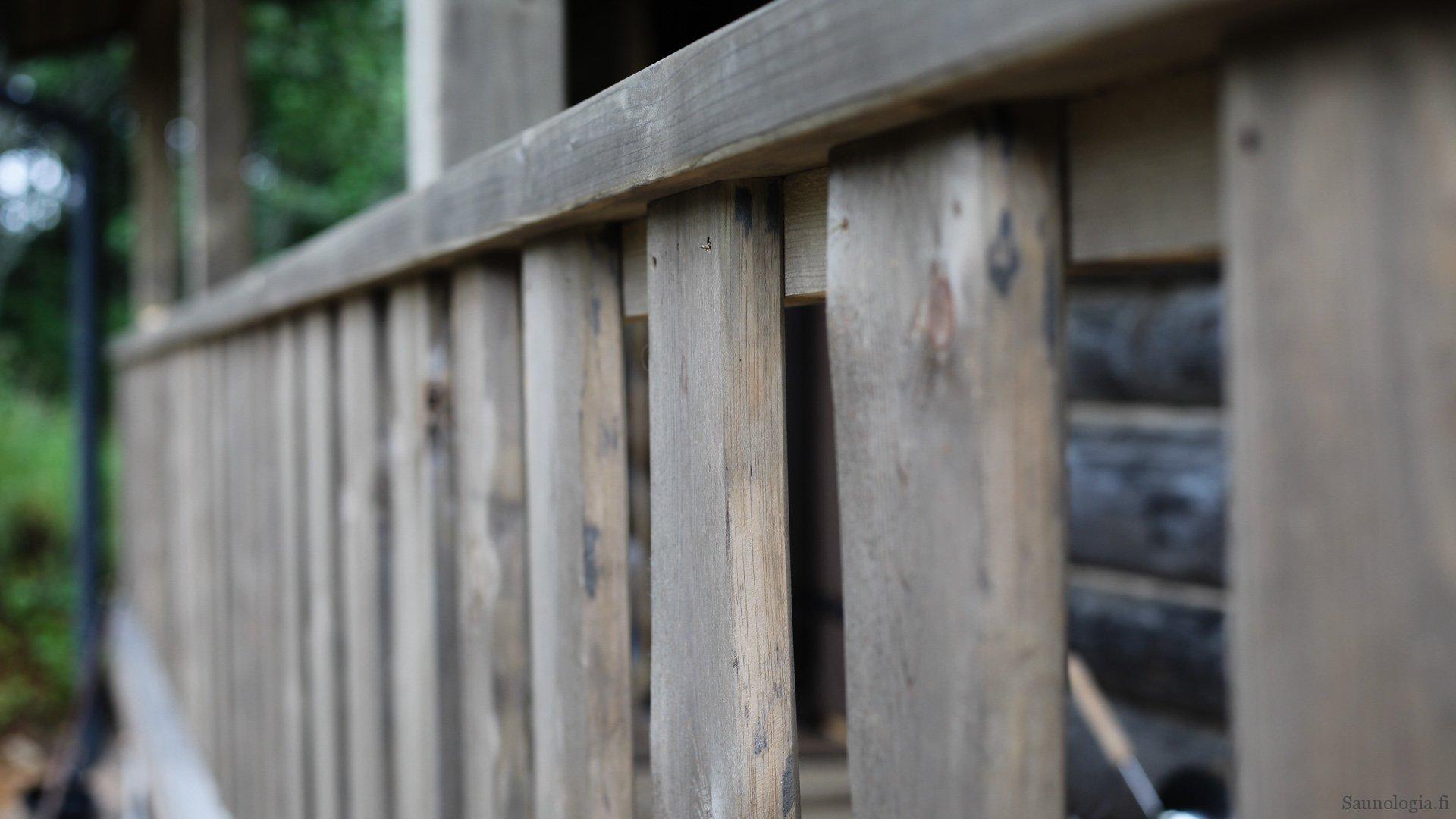 Saunamökin terassin kaidemääräykset ja kaideratkaisut
