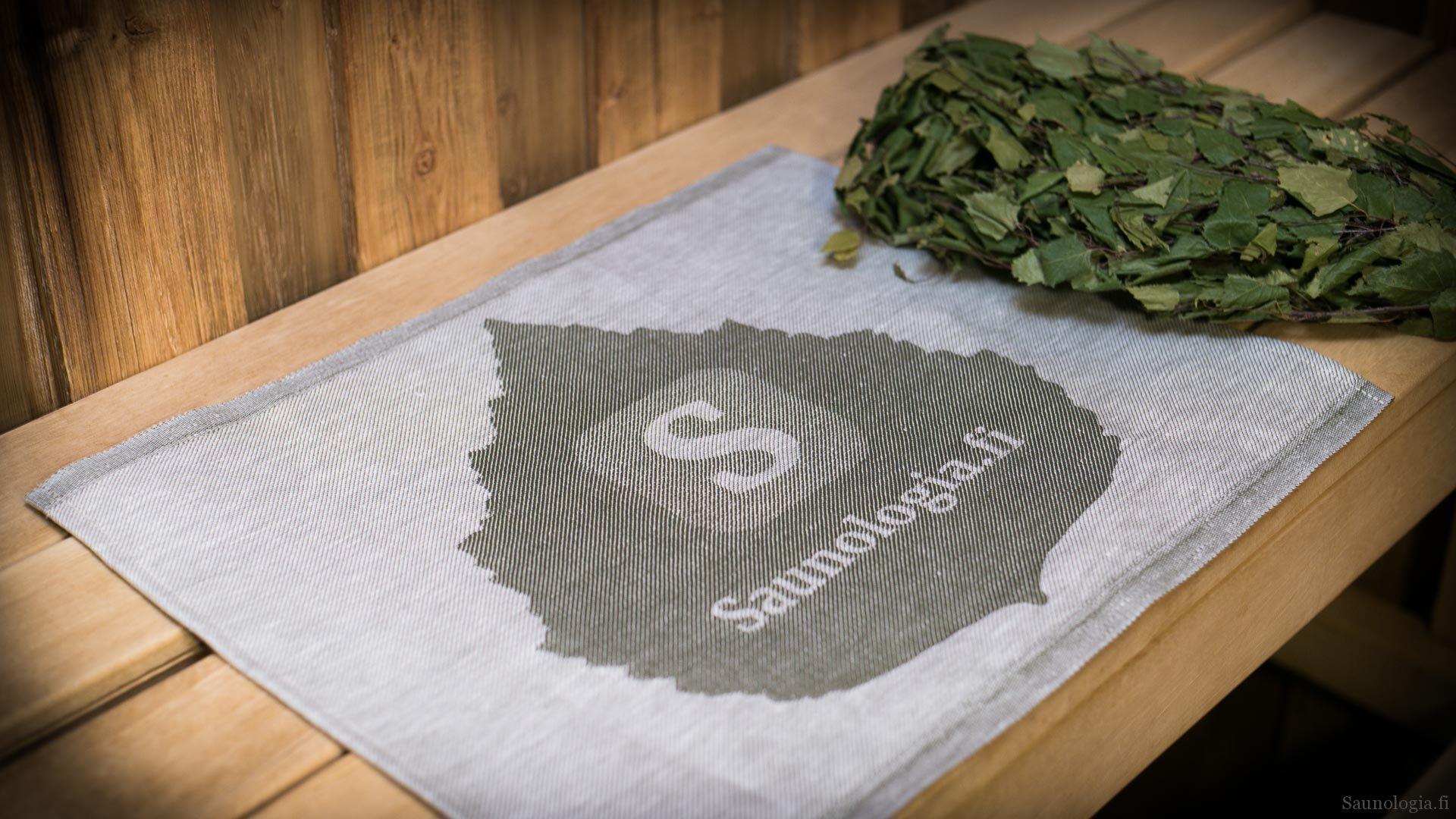 Liity parhaaseen saunajoukkoon – hanki Saunologian laudeliina
