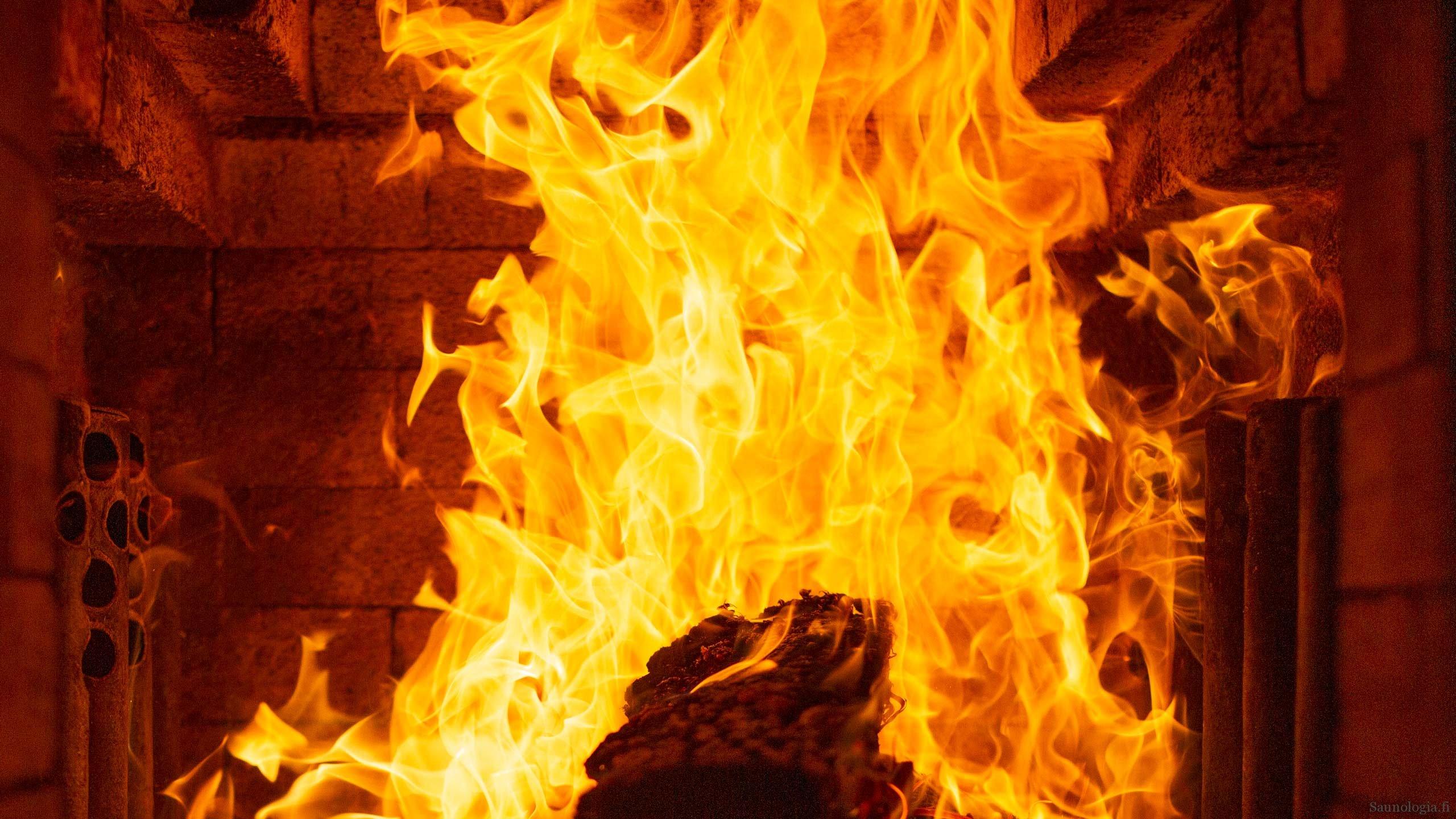 Kaasutuskiuas erottaa hiilen palamisen puukiukaassa