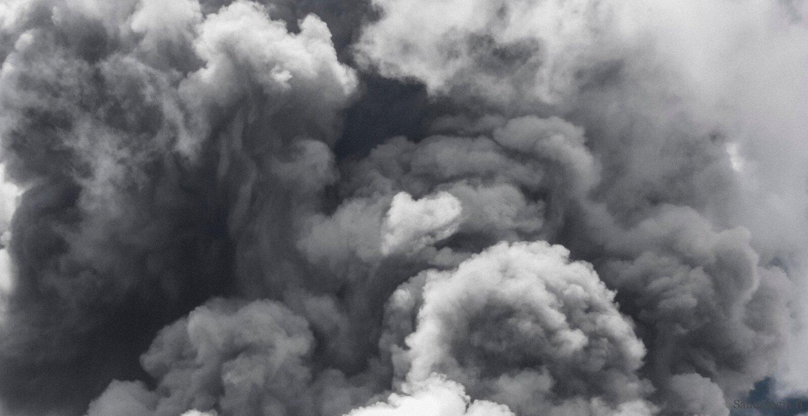smoke-jens-johnsson-qFYBki6u3Ik-unsplash-v2